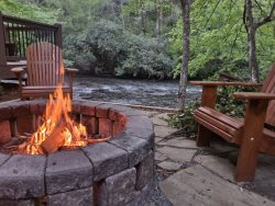 Camp Cartecay - Luxurious 2 Bedroom Cabin on the Cartecay River with Hot Tub