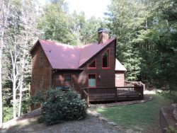 3 Bedroom 3 Bath Cabin with Game Room, Hot Tub & Internet in the Coosawattee River Resort