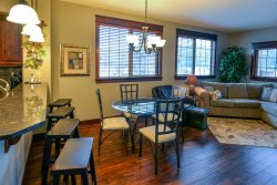 Luxury condo in the beautiful Riverstone Center