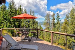Waterfront Cabin | Rustic Charm and Upgraded Amenities