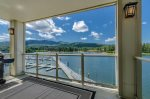 Salmon Run Condo | Central Location Overlooking the Spokane River