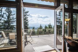 Skyview Perch | Master Craftsmanship with Panoramic Lake Views
