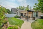 Beach Town Cottage   Coveted Downtown Location with Fenced Backyard