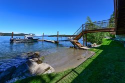 Lakeside Loft | Luxury Waterfront Cabin