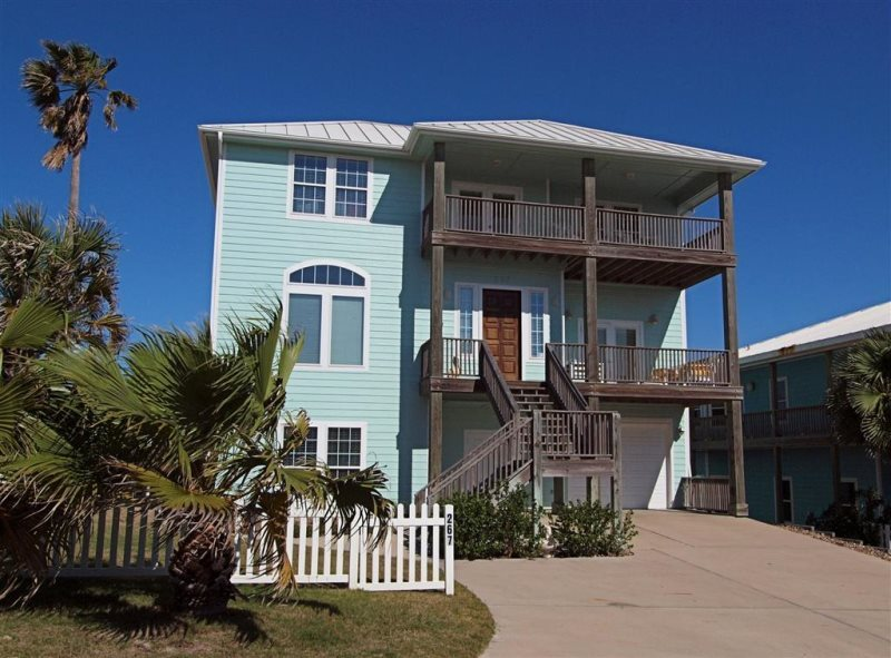 A Beachfront Vacation Home Al In Port Aransas With Million Dollar Views Of The Ocean