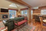 Luxury Slopeside Saddle Ridge F1/End unit/ 3BR/3.5BA /Sleeps 7