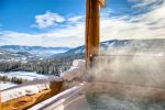 Luxury, private hot tub/Best Views in Big Sky. Location Location Location