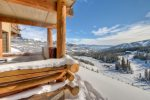 Saddle Ridge J5 sits next to slope w/ amazing views from private outdoor hot tub