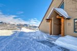 Luxury end unit 3BR/3.5BA Saddle Ridge w/ groomed slope next to the door