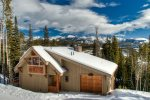Powder River Chalet - Best ski-in/out location in Big Sky/Walk to Lodge