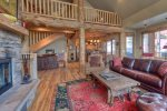 Perfect Location Breathtaking Luxury, Views, Ski-in/ski-out to Big Sky/Moonlight, privacy