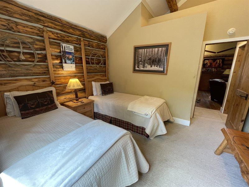 Montana Cabin Rentals | Cowboy Heaven | Big Sky VRBO | Big