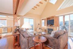 Saddle Ridge E5 ~ Slopeside Luxury Chalet