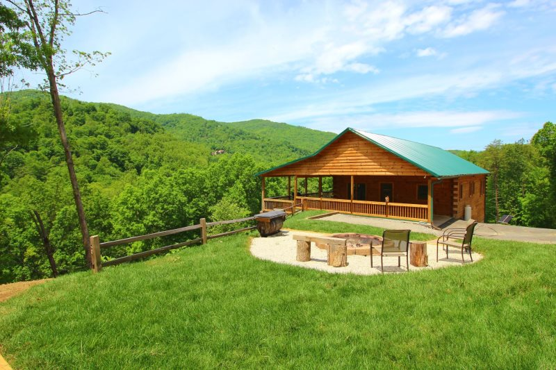 Luxury Log Cabin Lodge With Beautiful Views And Game Room