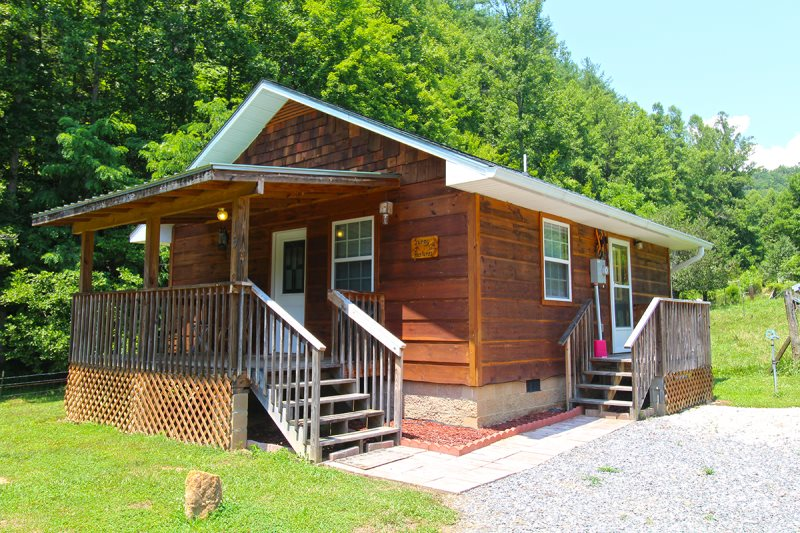 Affordable One Bedroom Cabin On Farm In Bryson City Nc