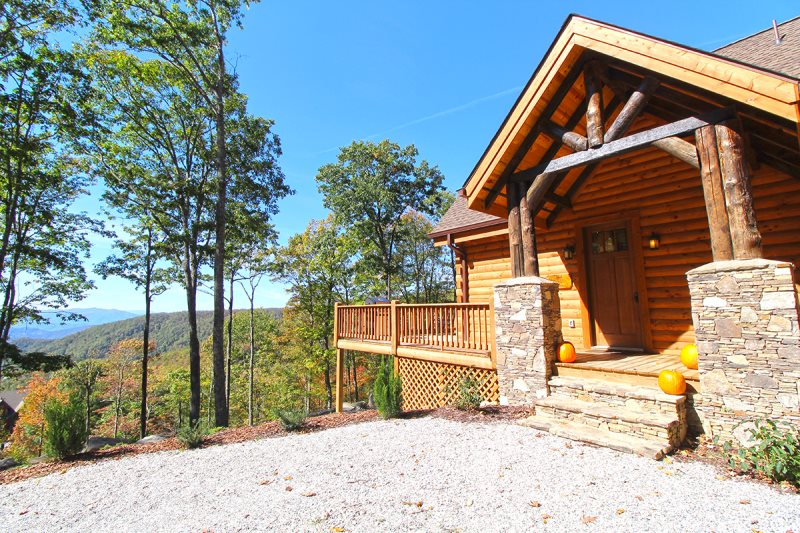 Secluded Luxury Log Cabin Rental With Long Range Views Of Smoky Mountains