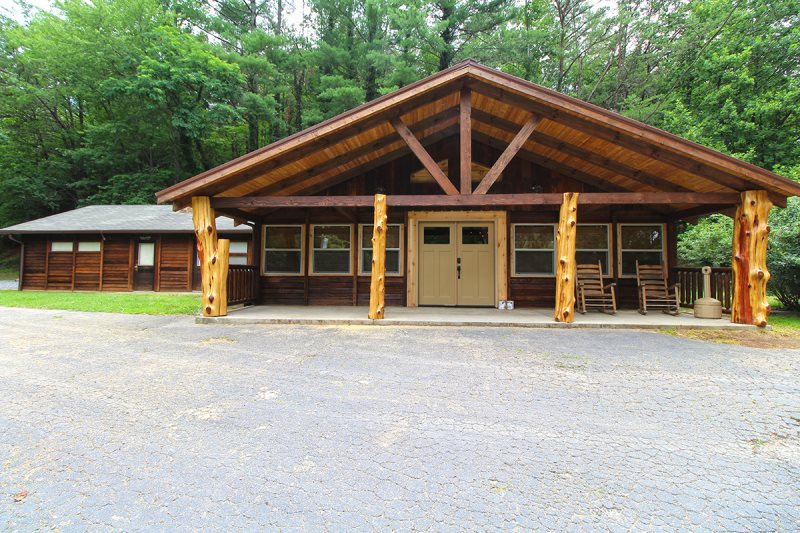 Four Bedroom Reunion Lodge near Bryson City, NC and Great