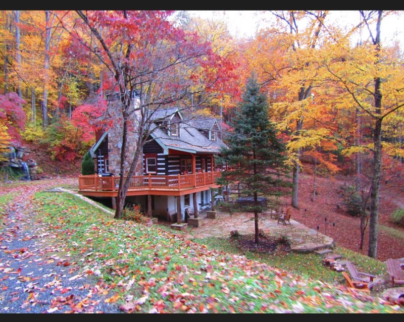 Secluded Three Bedroom Log Cabin At Entrance To Great Smoky