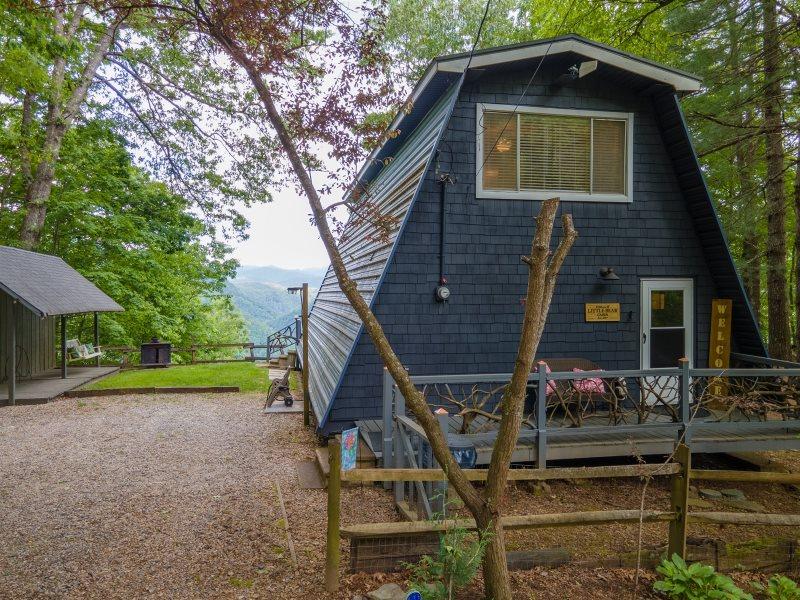 Two Bedroom, 1 5 Bath Cabin Rental in Robbinsville, NC