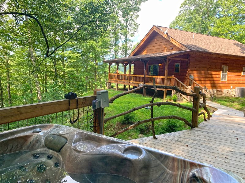Beautiful, Private Two Bedroom Log Cabin Rental near Bryson City, NC