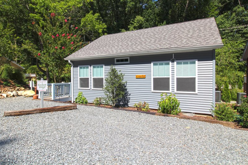 Two Bedroom Two Bath Vacation Rental In Bryson City Nc