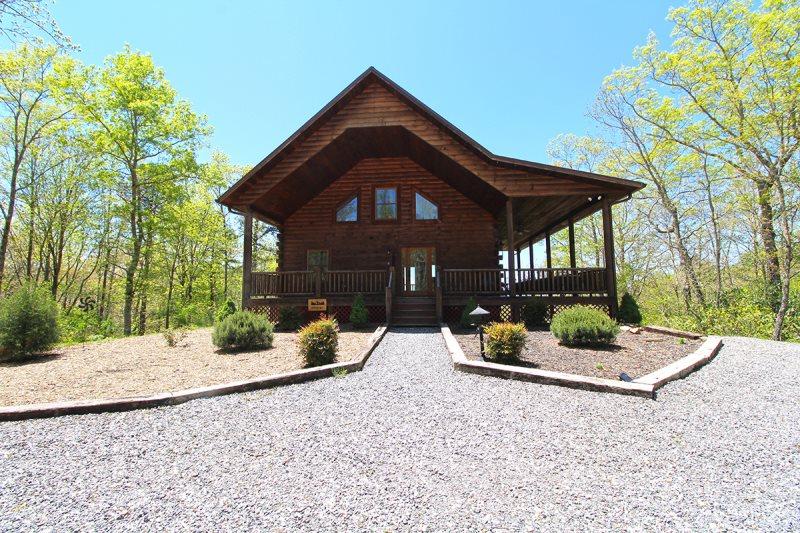 Luxury Mountaintop Cabin Rental Near Bryson City Nc In The