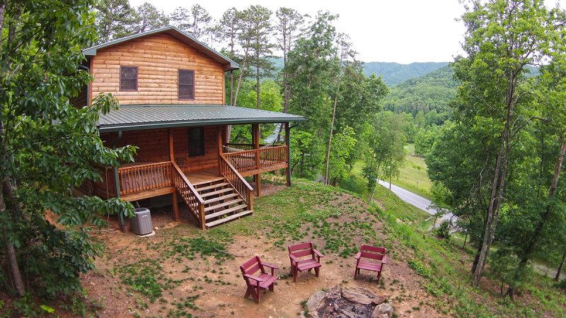 Log cabin vacation rental near great smoky mountains for Smoky mountain nc cabin rentals