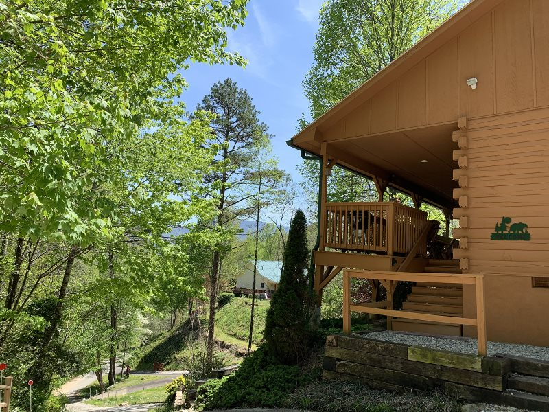 One Bedroom Log Cabin Rental In Smoky Mountains With Pool Table And Hot Tub