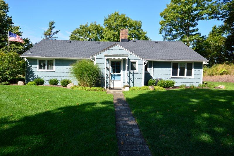 fletcher cottage grand haven vacation rental rh lakem com lake michigan cottages holland michigan vacation rentals lake michigan cottages for sale