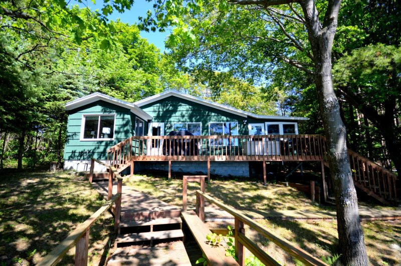 Whiskey Creek Cottage | Silver Lake Vacation Rental | Lake