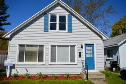 Great Family Home Close to Pier Marquette Beach