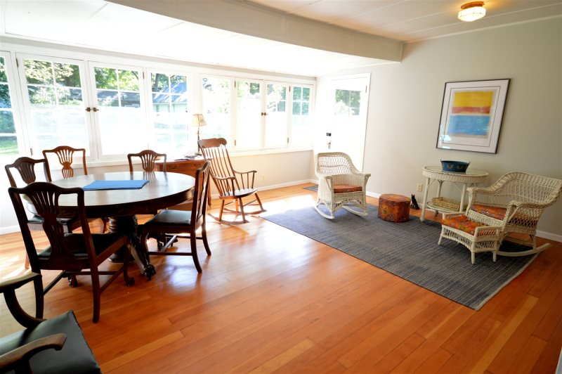 Brown Cottage - Holland - Vacation Rentals
