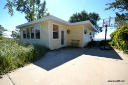 North Shore Beach Front Cottage Rental!