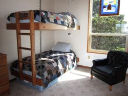 Ridgetop - Bedroom 2 with twin over twin bunk beds