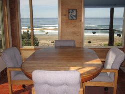 Ridgetop - Dining table with view