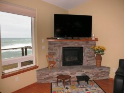 Ocean Dream - Large flat screen TV with Gas Fireplace