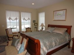 Ocean Dream - Master suite with Queen - Ocean View