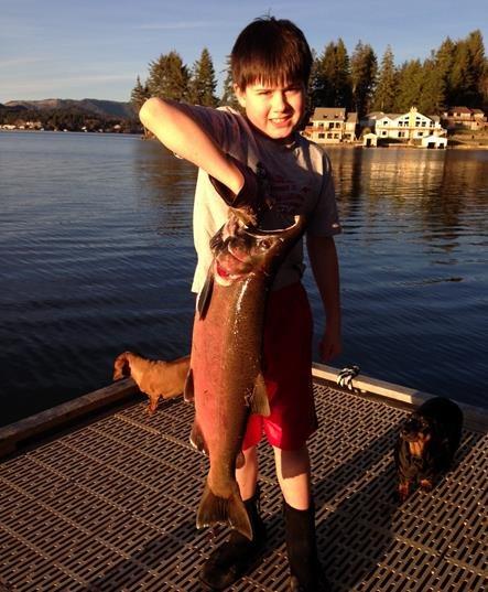 Taylors landing devils lake lincoln city vacation rentals for Devils lake oregon fishing