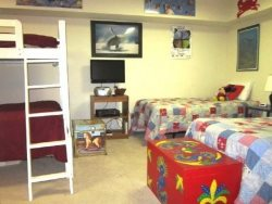 Captain Jacks - Lower Level - Bedroom 3 - With 2 Twin Beds and Twin Over Double Bunk Beds