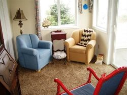 Cottage By The Sea - 2nd Floor - Reading Area