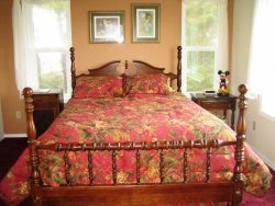 Cottage By The Sea - 2nd Floor - Master Bedroom - Queen Bed