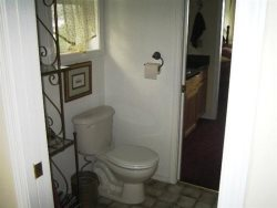 Cottage By The Sea - 2nd Floor - Master Bathroom