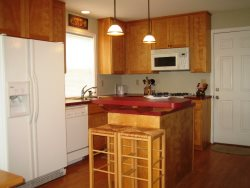 Cottage By The Sea - 1st Floor - Full Kitchen