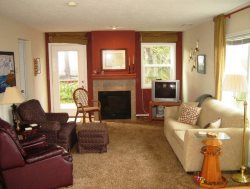 Cottage By The Sea - 1st Floor - Living Room - Fireplace and TV
