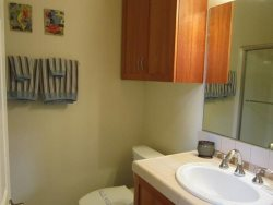 Ocean Sapphire - 1st Level - Bathroom 1 - With Shower and Tub Combo