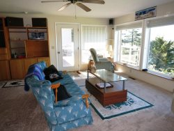 Newport Getaway - Family Room - Sitting Area - Picture Windows