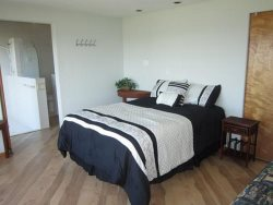 Great Escape - Master Bedroom - King Bed