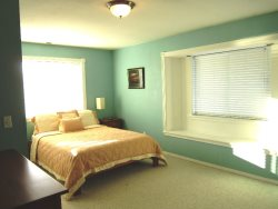 Ocean Breeze - Upper Level Bedroom 3, with Queen bed, photo 1