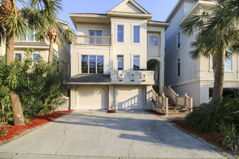 Beautiful 5 Bedroom Bath Located In Singleton Beach On Hilton Head Island