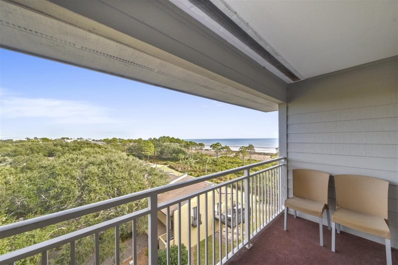 Relax And Enjoy Your Stay While Visiting This 2 Bedroom Bath 5th Floor Oceanfront Carolina Beach Club Property Located In South Forest On Hilton